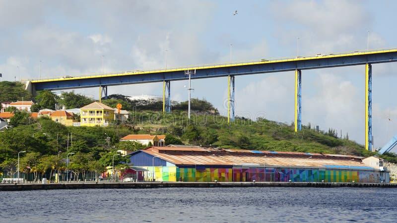 女王朱莉安娜桥梁在威廉斯塔德,库拉索岛 库存图片