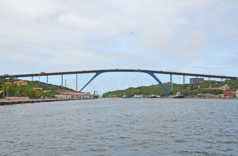 女王朱莉安娜桥梁库拉索岛 免版税库存图片