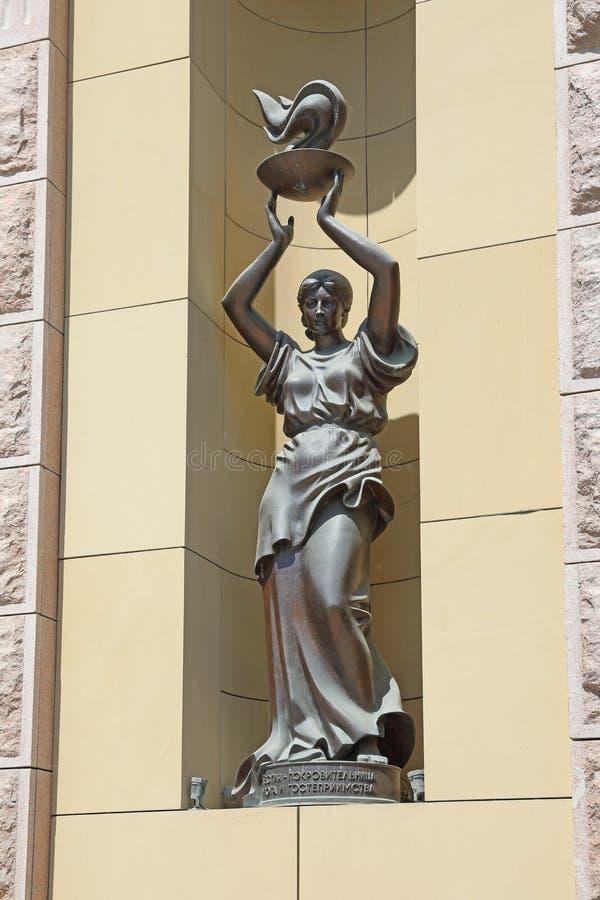 女神希神赫斯提的雕塑在市新西伯利亚 免版税库存图片