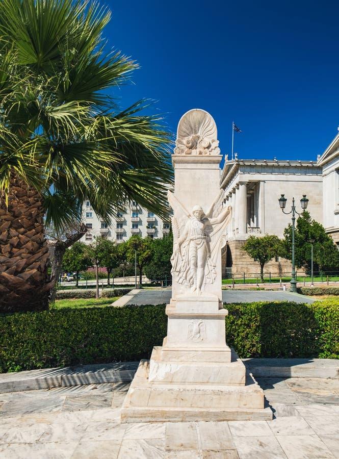 女神耐克雕象在雅典,希腊 免版税库存图片