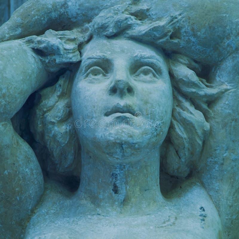 女神赫拉是最老的女儿科罗诺斯和Rei,宙斯的姐妹和妻子 古老雕象的片段 库存照片
