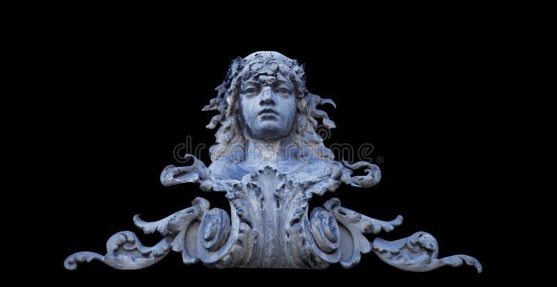 女神赫拉是最老的女儿科罗诺斯和Rei,宙斯的姐妹和妻子 在黑背景隔绝的古老雕象 免版税图库摄影