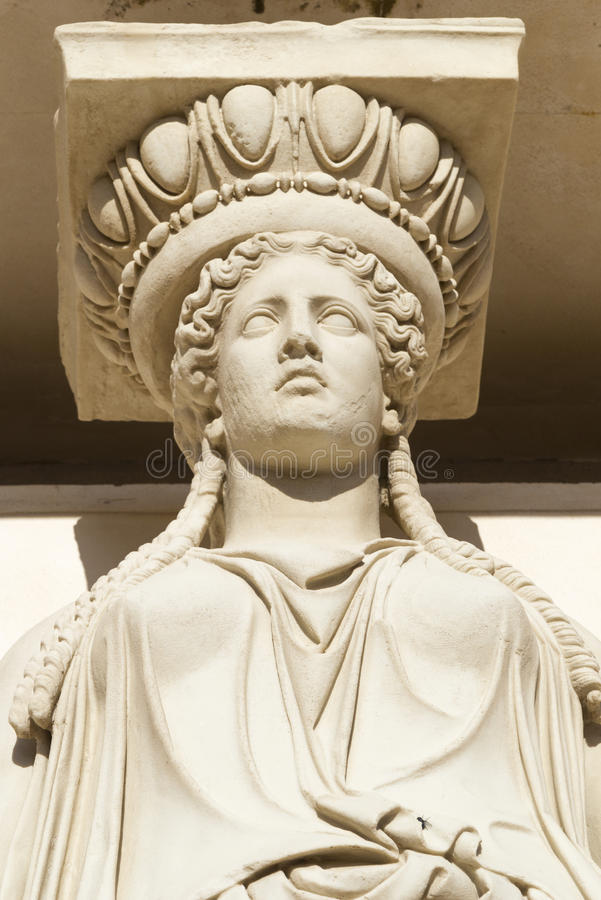 女象柱在考古学博物馆 图库摄影