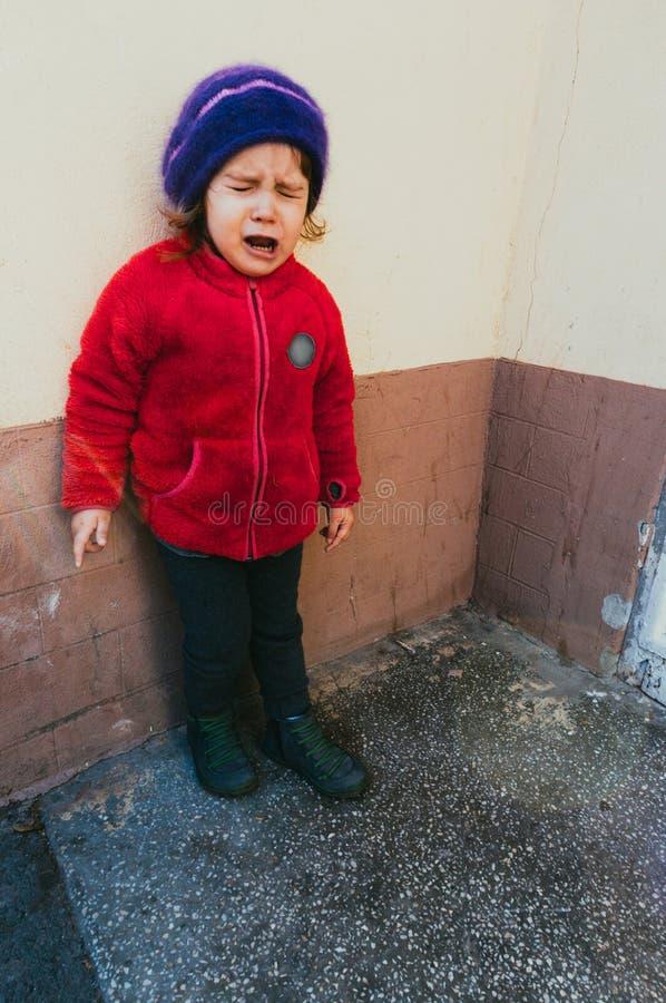 女婴哭泣 免版税库存照片