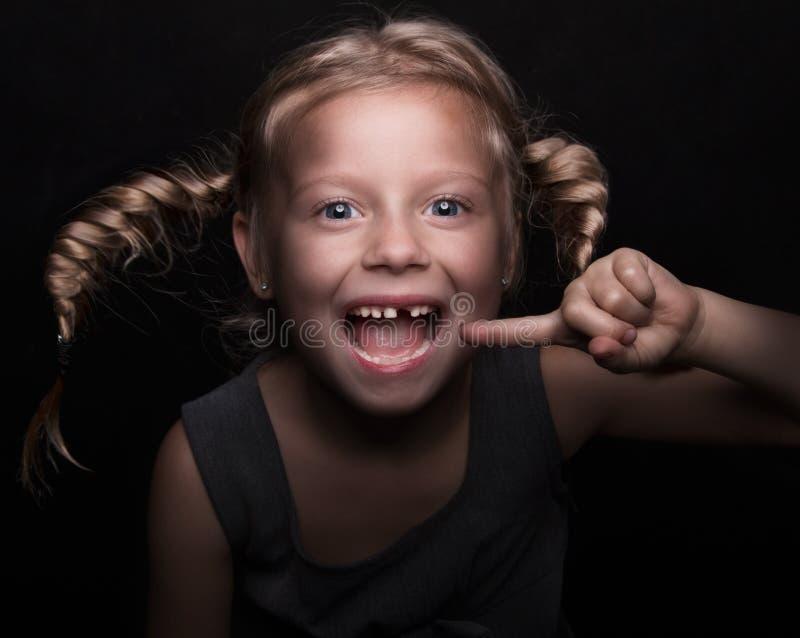 女婴少许失去的牙 免版税库存照片