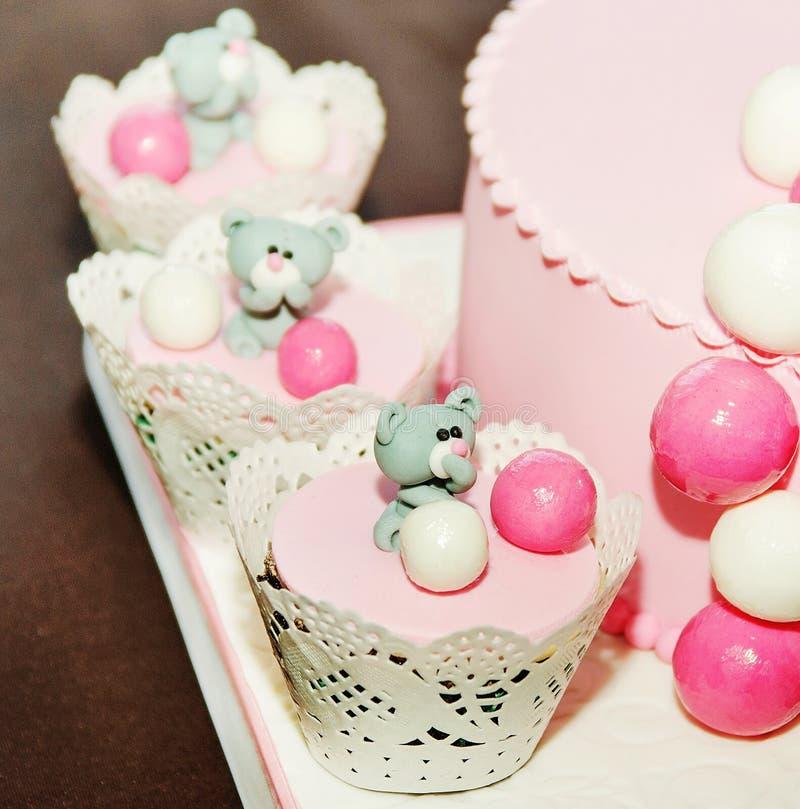 女婴的甜生日蛋糕 图库摄影