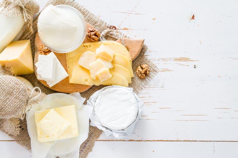 奶和奶制品的选择 免版税库存图片