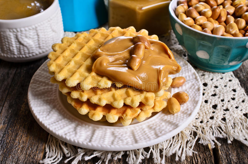 奶蛋烘饼用花生酱 库存照片