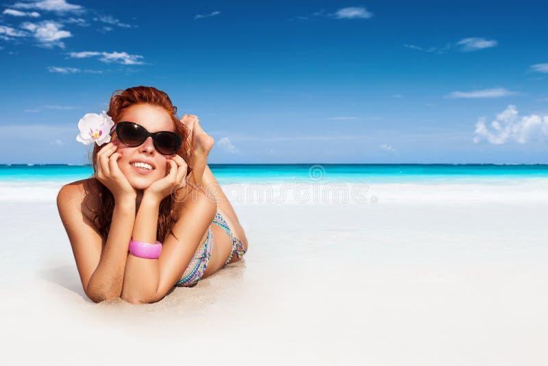 好海滩的女孩 库存图片