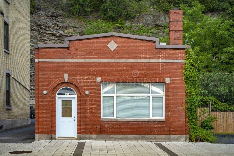 好的历史的砖房子在利维魁北克 免版税库存照片