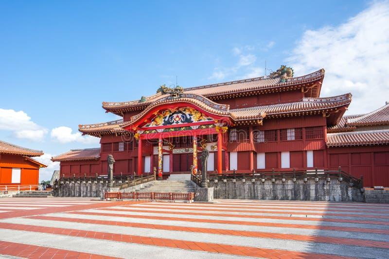 好的天空在有首里城堡的冲绳岛在那霸,日本 免版税库存照片