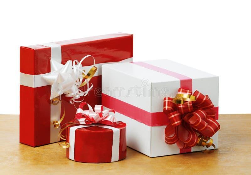 好的礼品在表里 免版税库存照片
