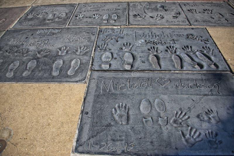 好莱坞中国剧院名人手脚印 免版税库存照片