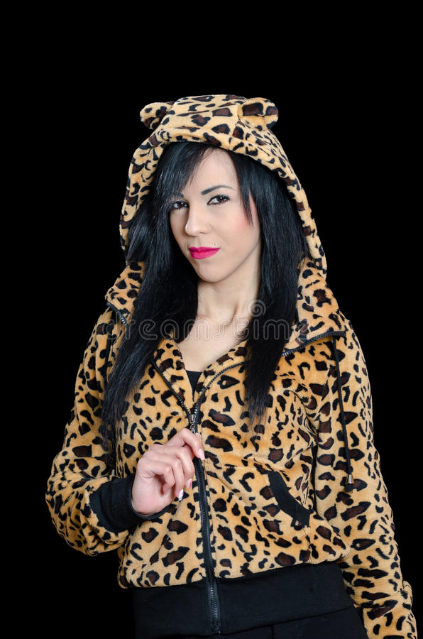 妇女佩带的动物印刷品夹克和敞篷有耳朵的 免版税库存照片