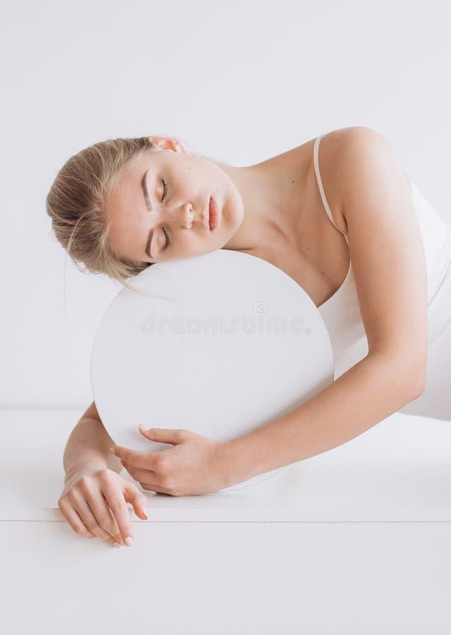 妇女健康安静球形圈子题字 库存照片