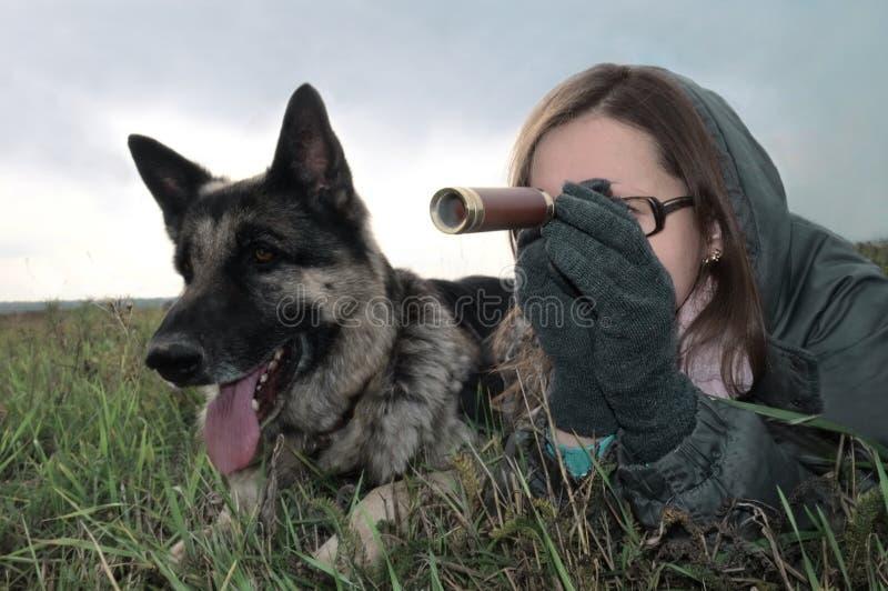 妇女和狗 图库摄影