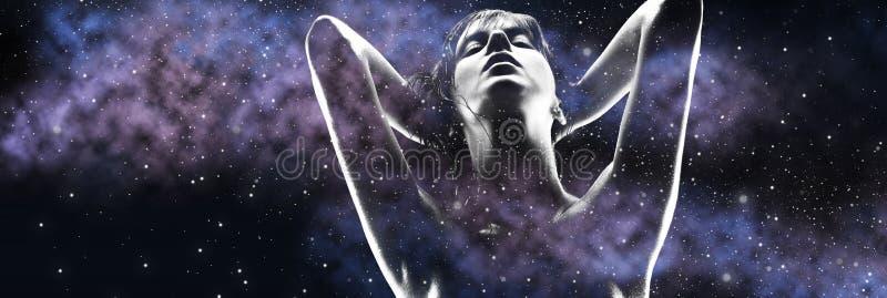 妇女和紫色星系两次曝光  库存图片