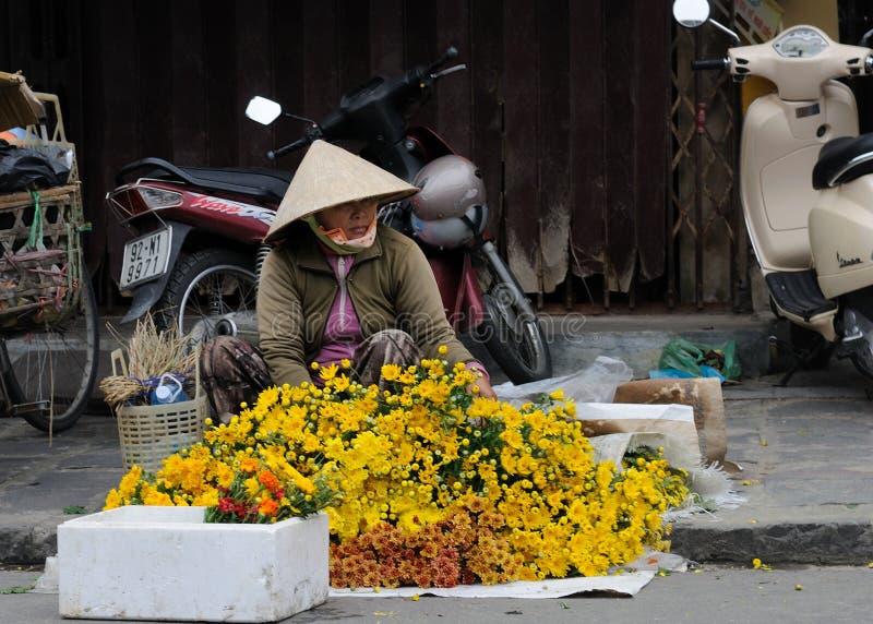 妇女在越南市场上 免版税库存照片