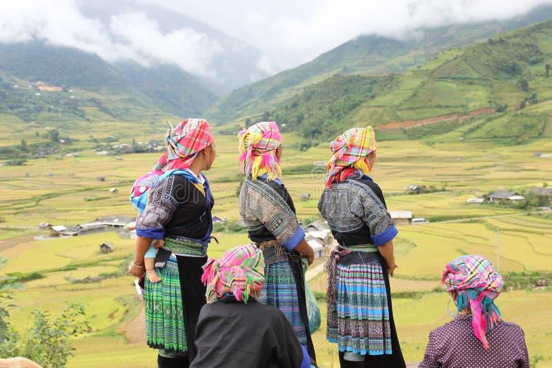 妇女在Mu Cang柴 免版税库存图片