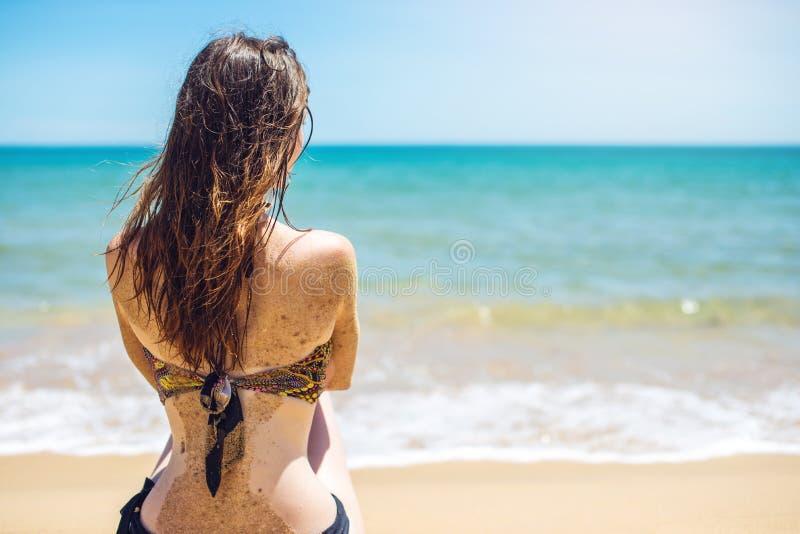 干色姑娘成人网_图片 包括有 海洋, 女孩, 天堂, 节假日, 成人, 复制, 火箭筒