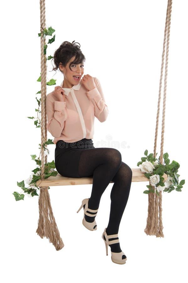 Download 妇女坐长凳 库存照片. 图片 包括有 beautifuler, 方式, 女性, 高雅, 成人, 夏天, 阴物 - 30335650