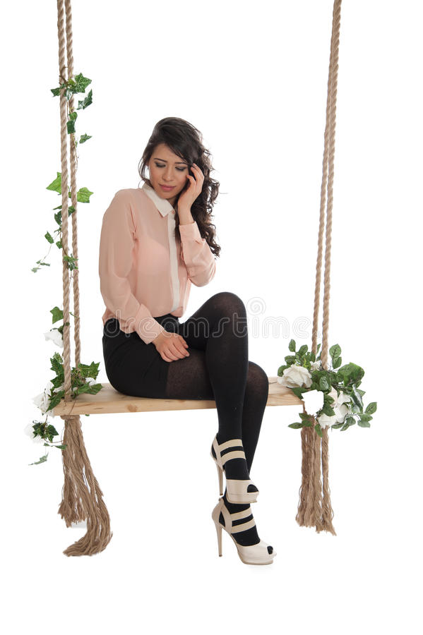 Download 妇女坐长凳 库存照片. 图片 包括有 方式, 阴物, browne, 女性, 开会, 魅力, 偶然, beautifuler - 30335696
