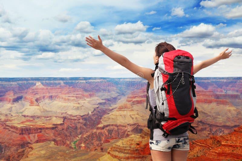 妇女大峡谷的山远足者 库存图片