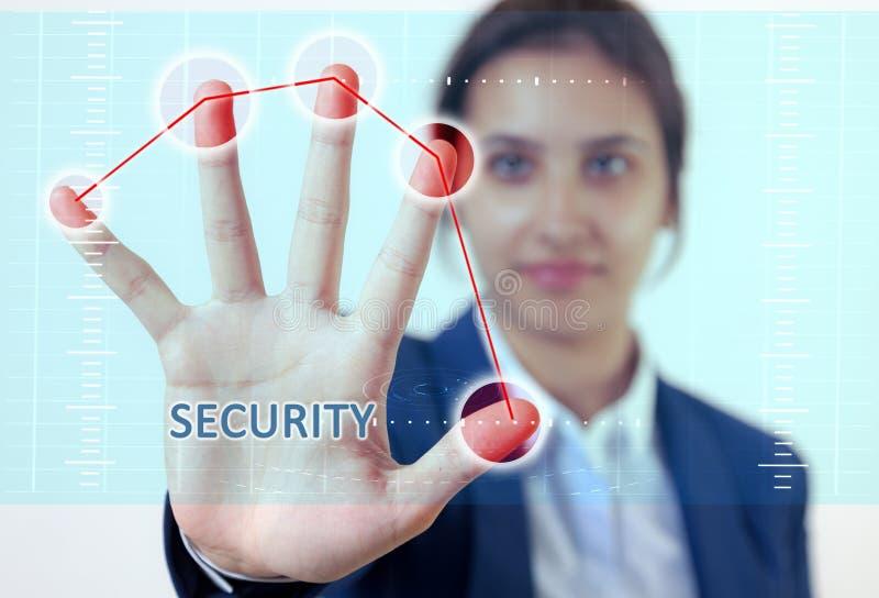 妇女手接触安全 免版税图库摄影