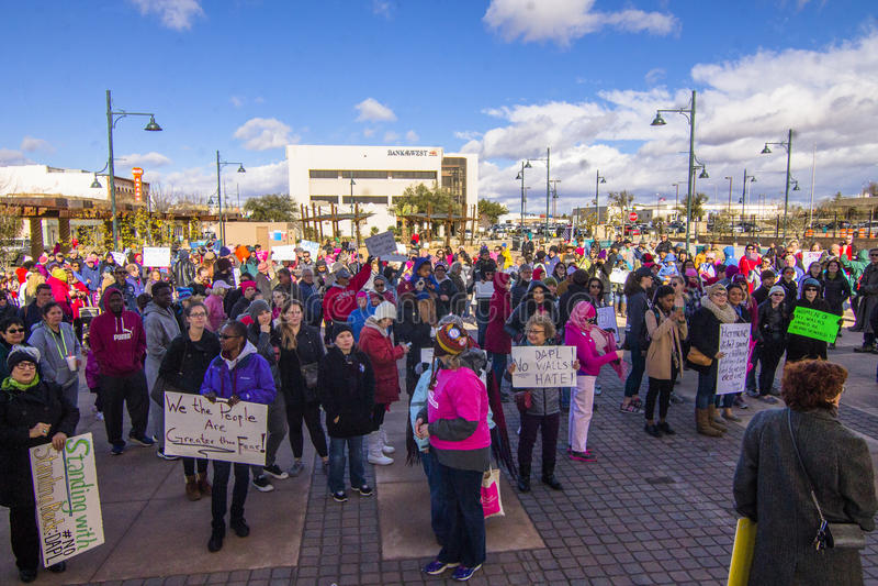 妇女抗议者人群  免版税库存照片