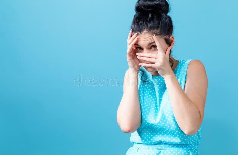 妇女担心的年轻人 图库摄影
