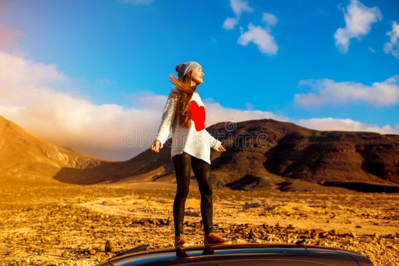 妇女旅行的费埃特文图拉岛海岛 库存图片