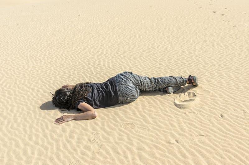 妇女昏倒了 库存图片