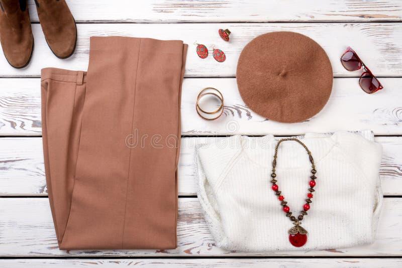 妇女有辅助部件的` s礼服 免版税库存照片