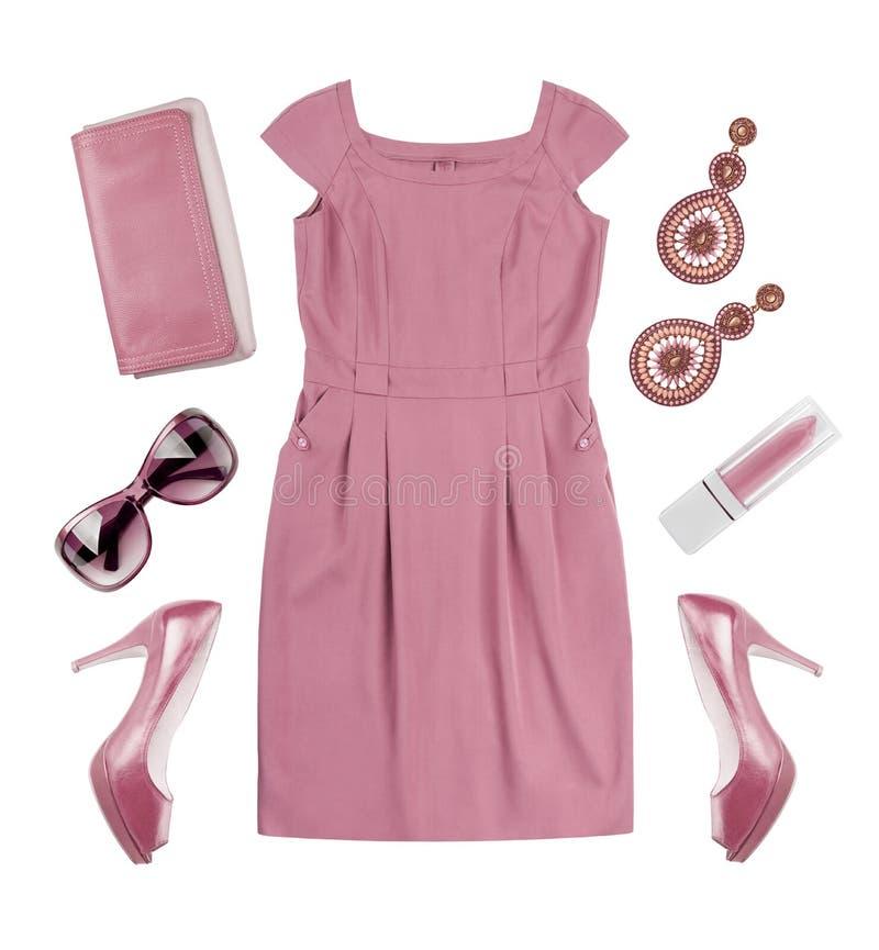 妇女桃红色夏天礼服和辅助部件拼贴画在白色 免版税库存照片