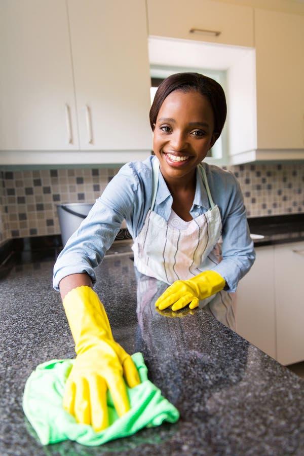 妇女清洁柜台 库存图片