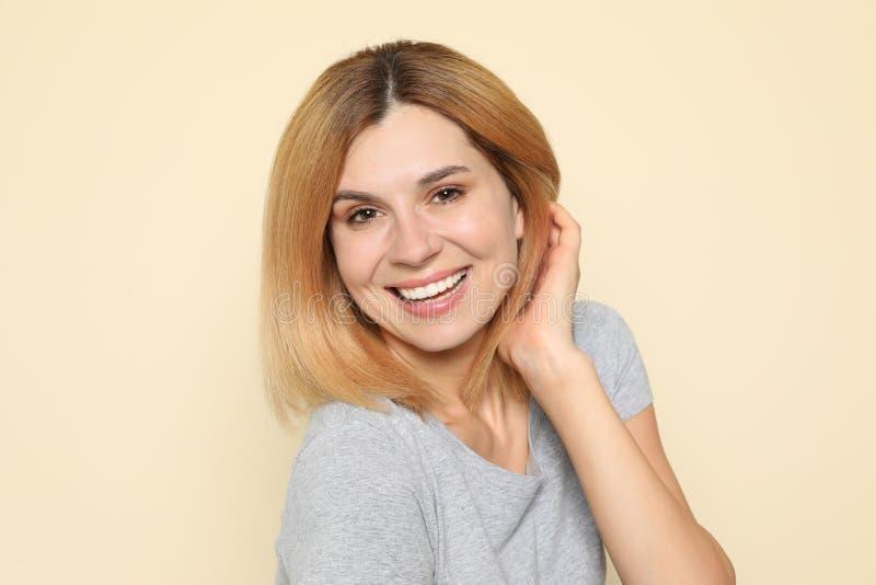 妇女画象有脸蛋漂亮的 免版税库存照片