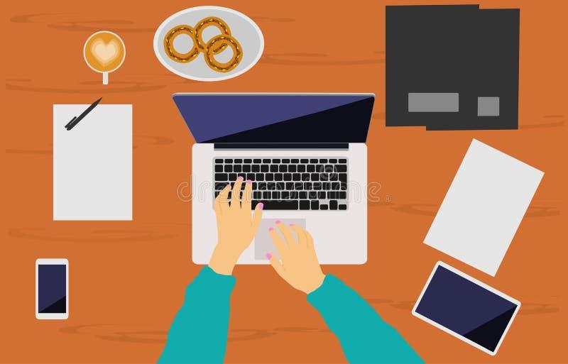 妇女的手在一张棕色木书桌安置的笔记本运转 向量例证