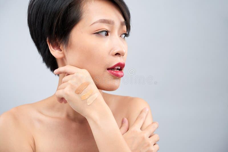 妇女的手基础样片  库存图片