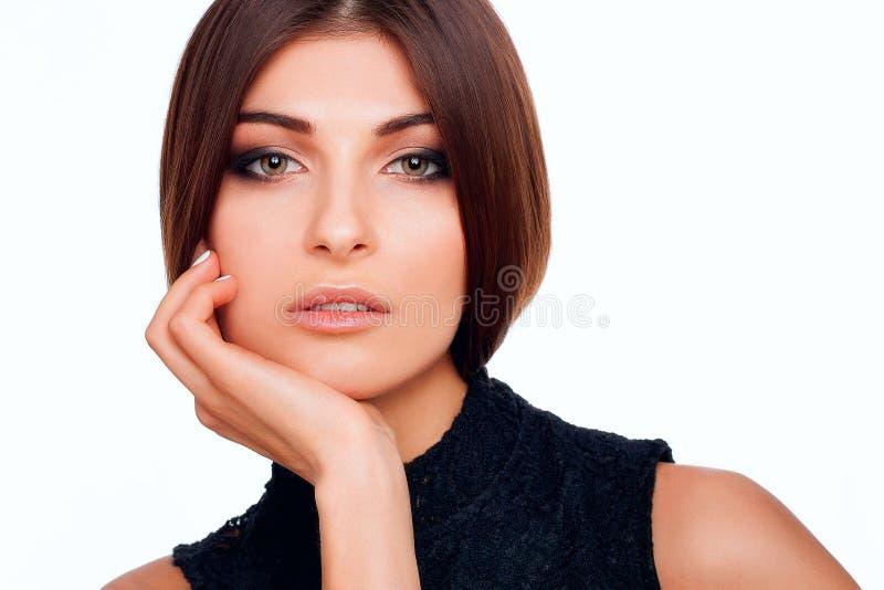妇女秀丽嘴唇和眼睛在演播室 免版税库存照片