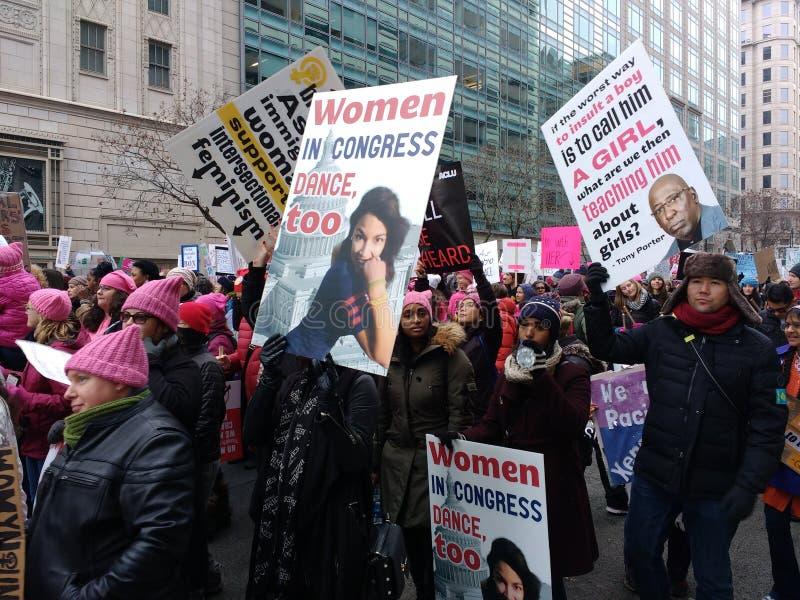 妇女美国国会3月,亚历山大Ocasio科尔特斯标志,华盛顿特区,美国 库存图片