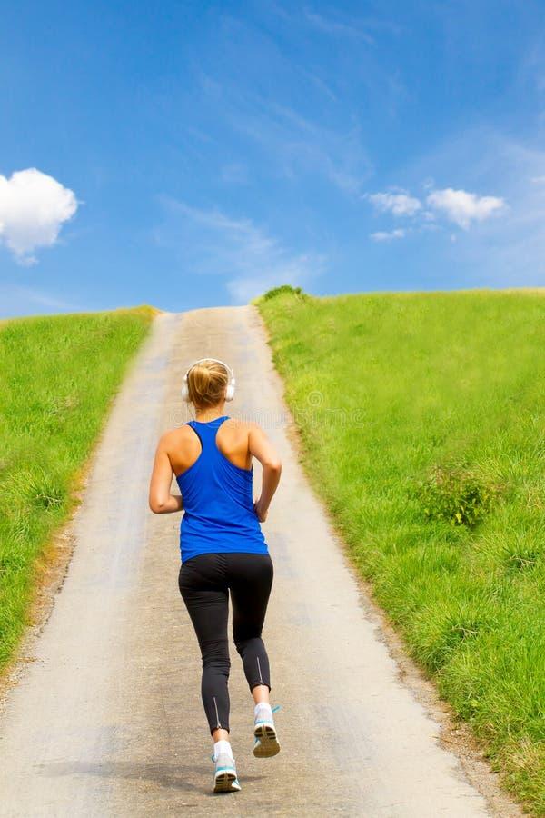 妇女赛跑 免版税库存图片