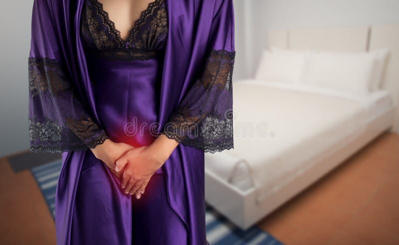 妇女醒为去休息室 库存图片