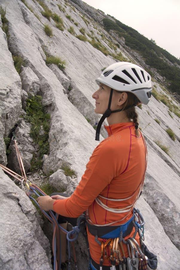 妇女登山人 免版税图库摄影