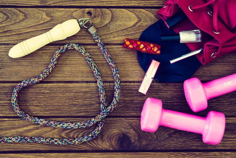 妇女锻炼,健身和制定出概念 库存照片