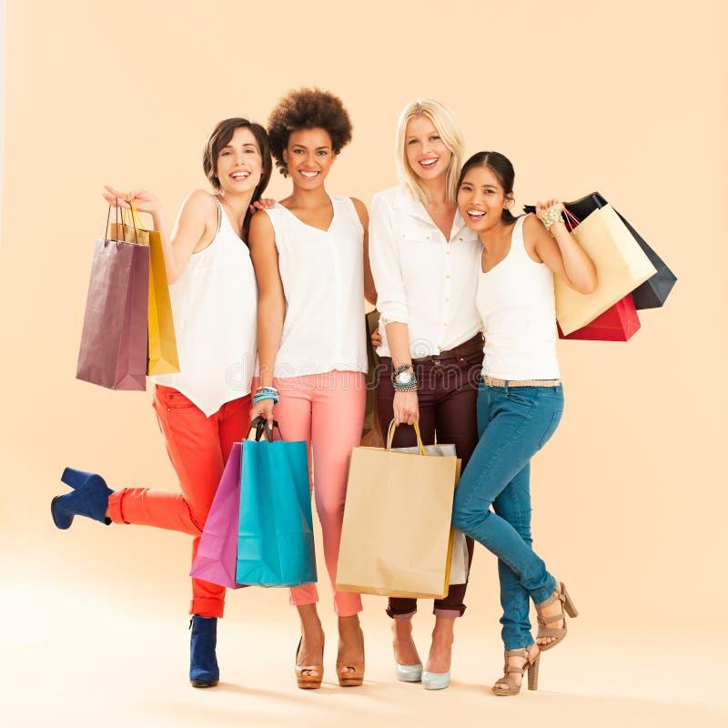 妇女购物 免版税库存图片