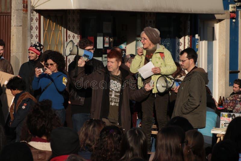 妇女`的s 3月抗议者在葡萄牙 免版税库存照片
