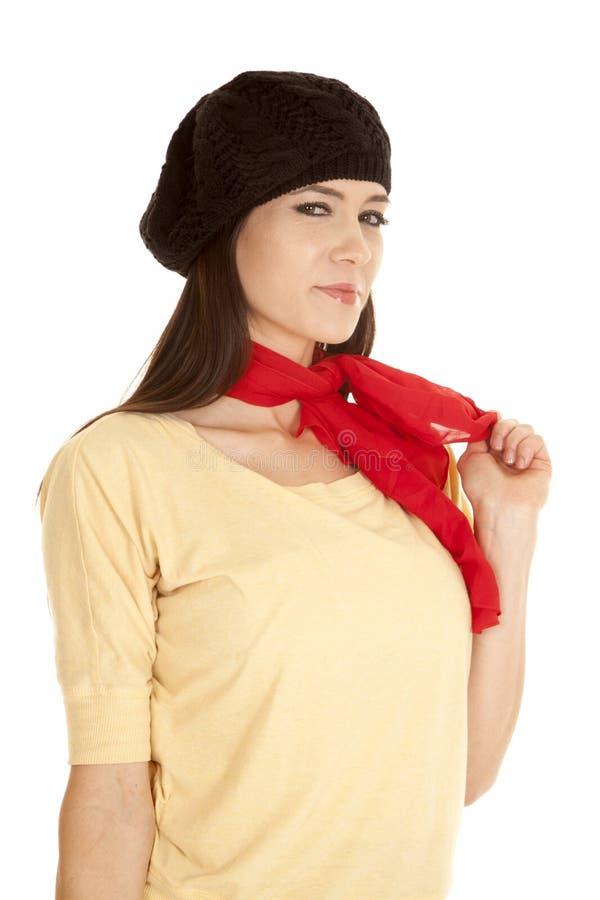 妇女黄色衬衣黑帽会议围巾神色 库存照片