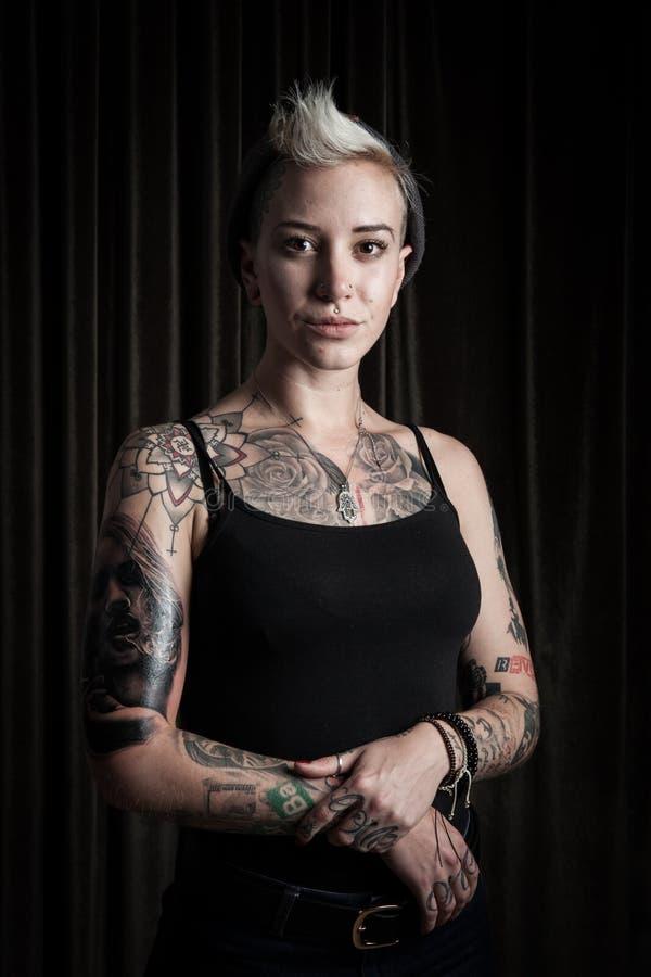 爱尔兰的纹身花刺的 照片拍摄时间: september 13th, 2015 女演员, 使图片