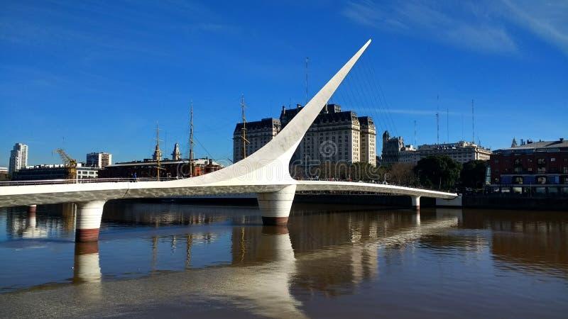 妇女` s桥梁马德罗港,阿根廷 免版税库存照片