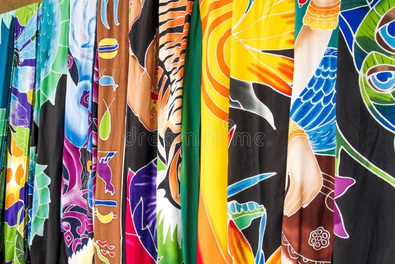 妇女` s织品穿戴并且穿礼服精品店 免版税图库摄影